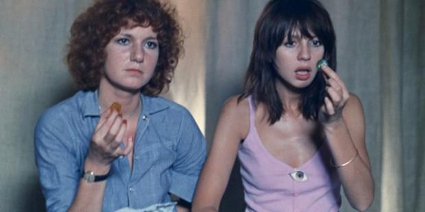 (2) Céline y Julia van en barco