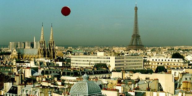 El vuelo del globo rojo
